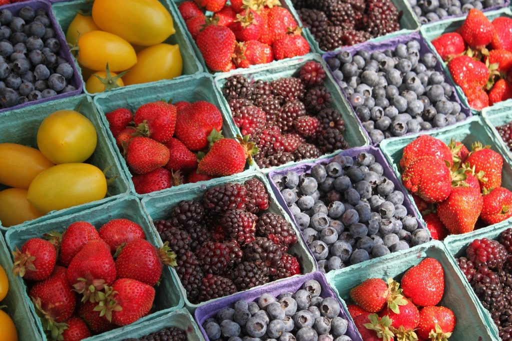 foods you should eat organic: berries