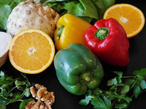 organic peppers and oranges: benefits of organic foods